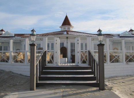 Jaarrond strandpaviljoen te Noordwijk